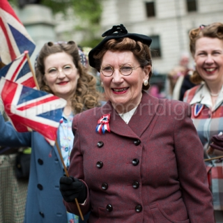 People dress in vintage costumes. VE Day celebrations marking 70 years since the defeat of Nazi Germany. Whitehall. London. © Jess Hurd/reportdigital.co.uk