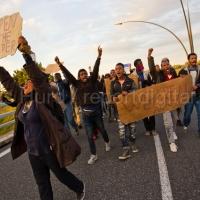 Migrant protest demands that the UK open the border. Eurostar Calais Terminal. France.© Jess Hurd/reportdigital.co.uk